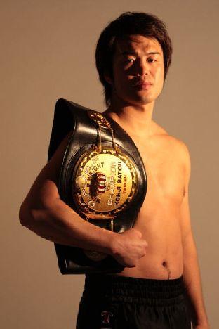 《佐藤幸治(帝拳)が挑戦する〈WBA世界ミドル級王者〉フェリックス・シュトゥルム(ドイツ)は簡単には崩せない手強い選手だ!》