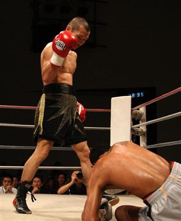 《再起戦!名城選手の3回TKO勝ち》10月11日大/阪市住吉区民センター [No.185]