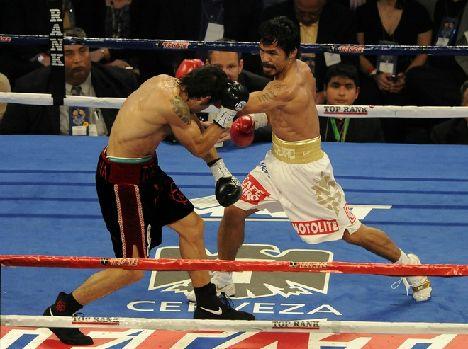 《完璧勝利!マニー・パッキャオ(フィリピン)》11月14日/米国テキサス州アーリントン・カウボーイスタジアム